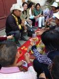 Tibetanischer Doktor und Patient Lizenzfreie Stockfotos
