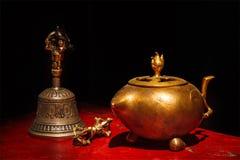 Tibetanisches buddhistisches Stillleben lizenzfreie stockfotos