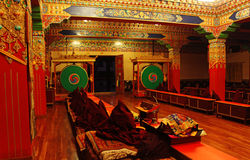 Tibetanisches Kloster im Fernhimalaja lizenzfreies stockbild