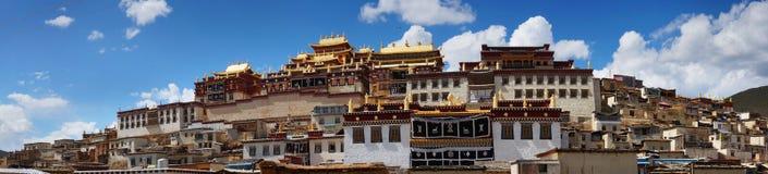 Tibetanisches Kloster in Shangri-La lizenzfreies stockbild