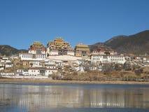 Tibetanisches Kloster in Zhongdian Lizenzfreie Stockfotos