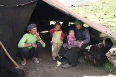 Tibetano da família do retrato de Ásia, Tibet Imagens de Stock Royalty Free