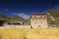 tibetant hus Arkivfoton