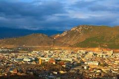 Tibetant landskap. Arkivbild