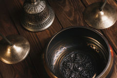 Tibetian instrument för musikmeditation arkivfoton