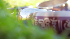 Tibetian lancia campane Tingsha stock footage
