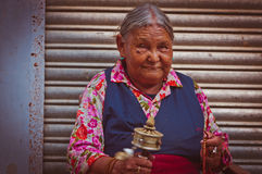 Tibetian woman in Rewalsar Royalty Free Stock Photos