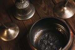 Tibetianinstrumenten voor muziekmeditatie stock foto's