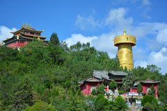 Tibetiantempel en het grootste boeddhistische wiel, Shangri-La Stock Fotografie