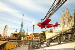 Парк атракционов и висок на Tibidabo Стоковое Изображение
