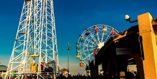 Tibidabo Ferris Wheel in Barcelona lizenzfreie stockfotografie