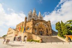 Tibidabo kyrka på berget i Barcelona Arkivbild