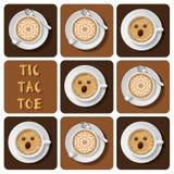 Tic-TAC-dito del piede di cappuccino e di latte Fotografie Stock