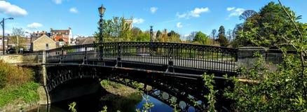 Tickford桥梁和圣彼得&圣保罗教会 库存照片
