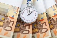 tid för begreppseurospengar Arkivbild