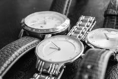 Tid för minut för bälte för klockasilverläder Royaltyfri Fotografi