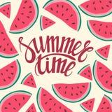 Tid för sommar för kort för vektorrambakgrund sömlös bakgrund med vattenmelonskivor Arkivbilder