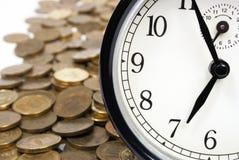 Tid är pengarbegreppet Fotografering för Bildbyråer
