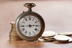 Tid är pengarbegreppet Royaltyfri Foto
