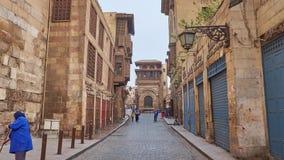 Tid schackningsperiod av att gå i gammal Kairo arkivfilmer