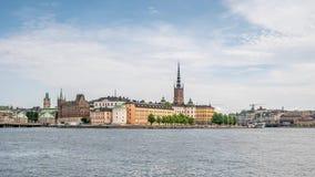 Tid schackningsperiod av den gamla delen av Stockholm, sikt från floden Sverige, 4k arkivfilmer