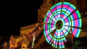 Tid schackningsperiod av den gamla pagoden med färgrik roterande lighting7 lager videofilmer