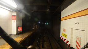 Tid schackningsperiod av den New York City gångtunnelritten stock video