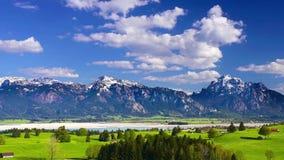 Tid schackningsperiod av det härliga landskapet i Bayern stock video