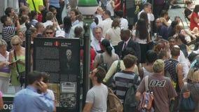 Tid schackningsperiod av folkmassan på Wall Street