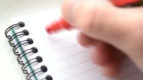 Tid schackningsperiod av handstilordet FÖRÄLSKELSE många gånger med lager videofilmer