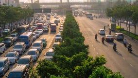 Tid schackningsperiod av Ho Chi Minh City tung trafik i morgonen arkivfilmer