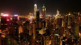 Tid schackningsperiod av Hong Kong Skyline och Victoria Harbour på natten - Hong Kong China lager videofilmer