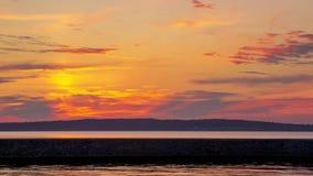 Tid schackningsperiod av solnedgången på sjökajen Arkivbilder