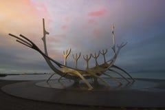Tid schackningsperiod av solresanden i Reykjavik, Island Arkivfoto