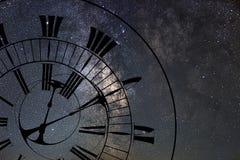 Tid snedvrider Tid och utrymme, allmän relativitet royaltyfria foton