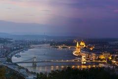 Tid som flyger över Budapest Arkivbilder