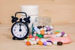 Tid som tar läkarbehandlingen Arkivfoton