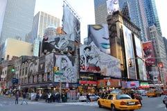 Tider kvadrerar, Broadway, New York City Fotografering för Bildbyråer