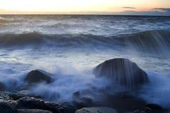 tidig afton för coastaline Arkivfoton
