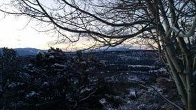 Tidig gryning i bergen Arkivfoton