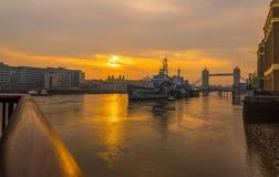 Tidig Moring soluppgång över London Royaltyfri Bild