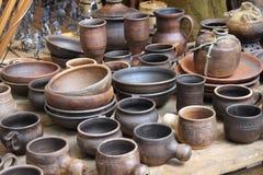 Tidiga mittåldrar för lerkärl Arkivfoto