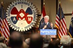 Tidigare president Bill Clinton Speaks på Hillary Rally Royaltyfri Bild