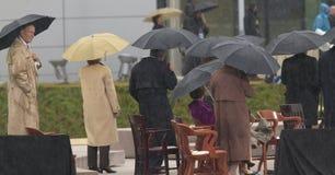 Tidigare president George HW Bush, Barbara Bush och andra på etapp under den storslagna öppningscermonin av William J Clinton Pre Royaltyfri Foto