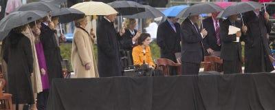 Tidigare US-president Bill Clinton, Lady för gamlaUS första och aktuell US-Sen Hillary Clinton, D NY och andra på etapp under Fotografering för Bildbyråer