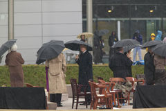 Tidigare US-president Bill Clinton och andra på etapp under den storslagna öppningscermonin av William J Clinton Presidential cen Arkivfoto