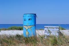 Tidigare vattenbehållare och strand Arkivbilder