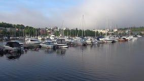 Tidigt en juni morgon i hamnen av den finlandssvenska staden av Lappeenranta arkivfilmer