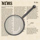Tidning med ett förstoringsglas Nyheterna med förstoringsapparaten Royaltyfria Bilder