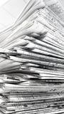 tidningsstapel Arkivfoton